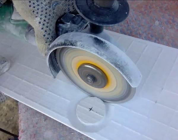 Как-просверлить-отверстие-в-керамической-плитке-3
