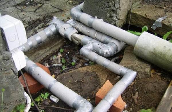 Как-утеплить-водопровод-на-улице-1